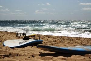 Pause muss sein - das Standhalten gegen die Kraft der Wellen ist kräftezehrend.